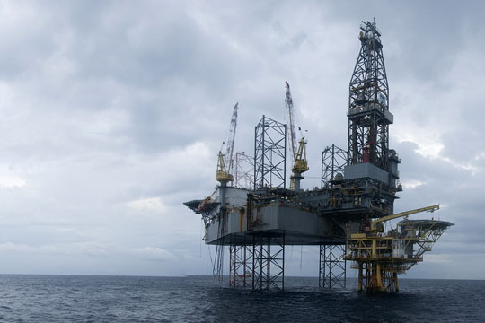 Oil and gas production rig