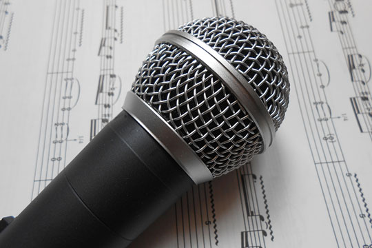 Microphone used for vocal music